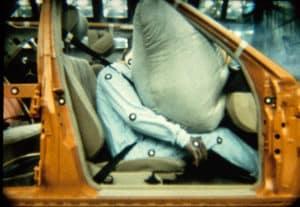Crashtest mit Airbag 1990